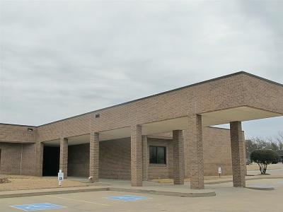 Carter County Commercial Pending W/Contingencies: 1119 Walnut Drive