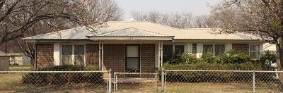Lone Grove Single Family Home For Sale: 134 Ash