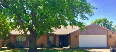 Ardmore Single Family Home For Sale: 324 Beaumont