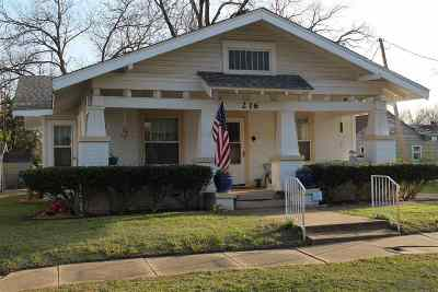 Ardmore Single Family Home For Sale: 216 SW 4th Street