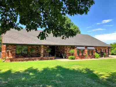 Ardmore Single Family Home For Sale: 845 Franklin Drive
