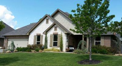 Single Family Home For Sale: 1206 Buckingham