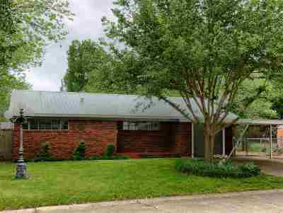 Ardmore, Lone Grove Single Family Home For Sale: 1110 Circle Drive