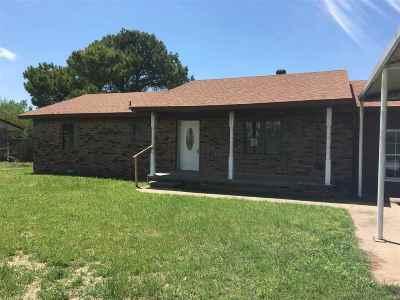Single Family Home For Sale: 916 N 1st Street