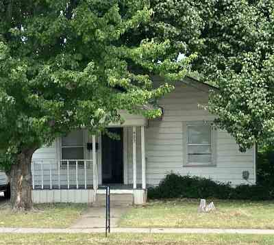 Single Family Home Back On Market: 402 NW E Street