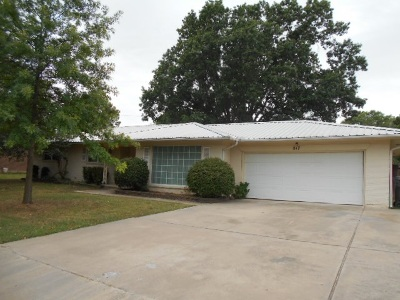 Ardmore Single Family Home New: 817 W Pershing Drive