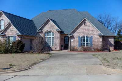 Carter County Single Family Home For Sale: 2415 Portico Avenue