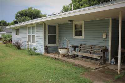Single Family Home For Sale: 609 S 2nd Street
