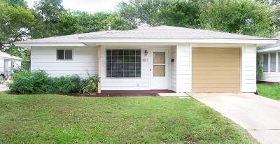 Single Family Home For Sale: 410 NW D Street