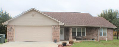 Lone Grove Single Family Home For Sale: 1320 Evergreen