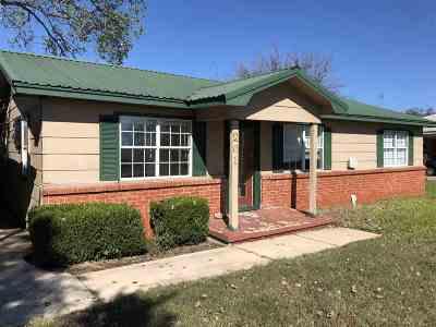 Marietta Single Family Home Pending: 201 Arch St