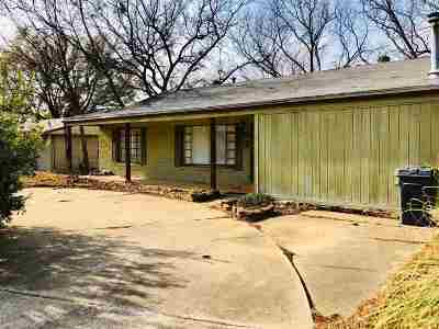 Single Family Home For Sale: 917 SW Q Street