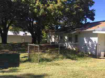 Garvin County Single Family Home For Sale: 201 W 6th Street