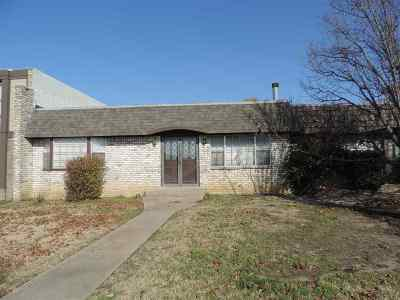 Ardmore Single Family Home For Sale: 1413 Northglen
