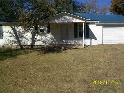 Elmore City Single Family Home For Sale: 506 Henderson Road