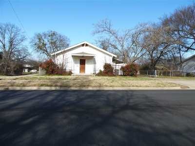 Carter County Single Family Home For Sale: 321 NW 12th