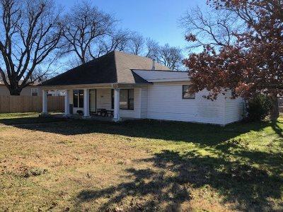 Marietta Single Family Home Pending: 304 Cherokee