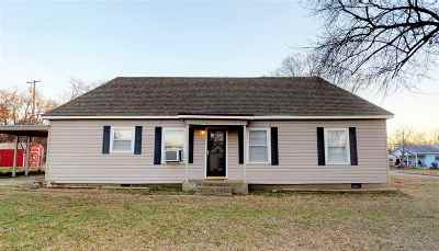 Single Family Home For Sale: 722 NW I Street