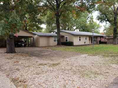 Single Family Home For Sale: 2443 Tanglewood