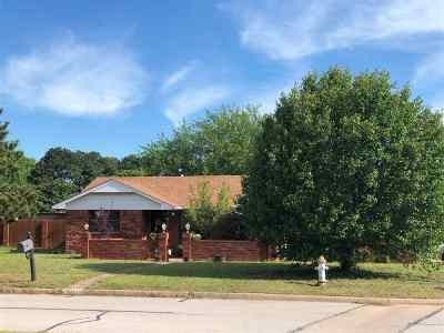 Carter County Single Family Home Motivated Seller: 3153 Cardinal Drive