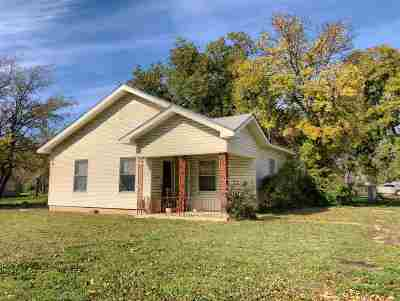 Single Family Home For Sale: 507 NW 4th