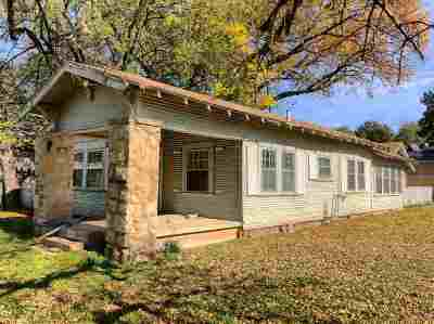 Single Family Home Pending W/Contingencies: 900 Wolverton