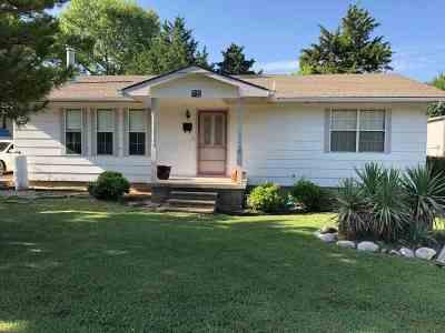 Sulphur OK Single Family Home For Sale: $138,000