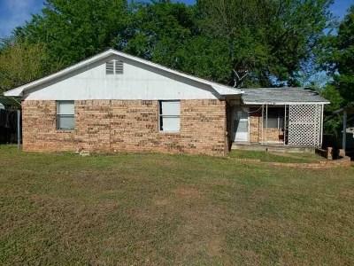 Johnston County Single Family Home New: 902 S Muldrow