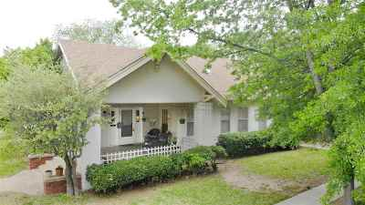 Carter County Single Family Home New: 901 SW Stanley