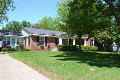 Carter County Single Family Home For Sale: 1421 SW 3rd Avenue
