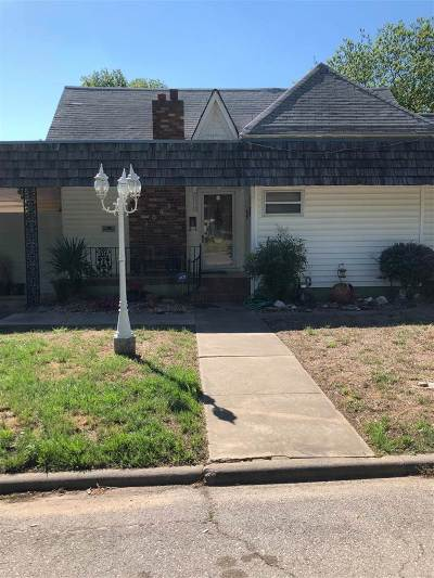 Single Family Home For Sale: 1007 NW Harris Street