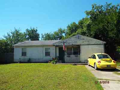 Single Family Home Pending: 1704 Easly Drive