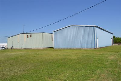 Carter County Commercial For Sale: 112 SE 2nd Street