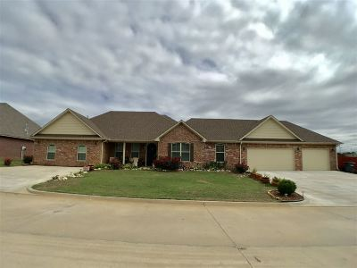 Ardmore Single Family Home For Sale: 1008 Stone Creek Drive