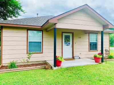 Wilson Single Family Home For Sale: 725 Ada
