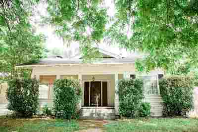 Single Family Home For Sale: 226 SW G Street