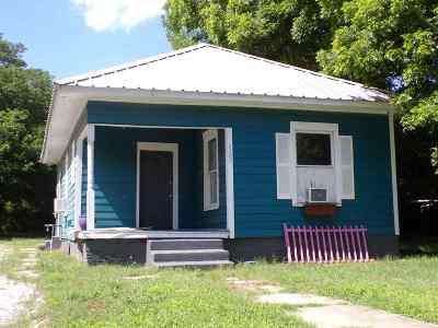 Single Family Home Back On Market: 1105 NE 3rd