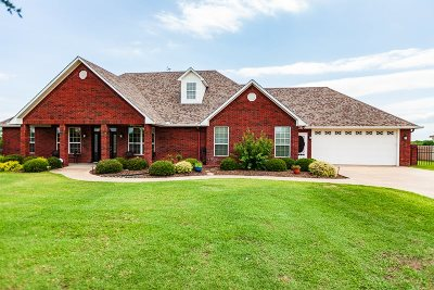 Ardmore Single Family Home For Sale: 4030 Rolling Hills