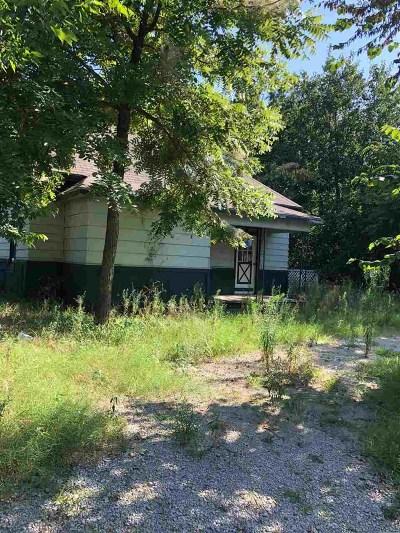 Single Family Home For Sale: 1223 W Wapanucka