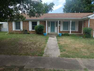 Single Family Home For Sale: 401 S 4th