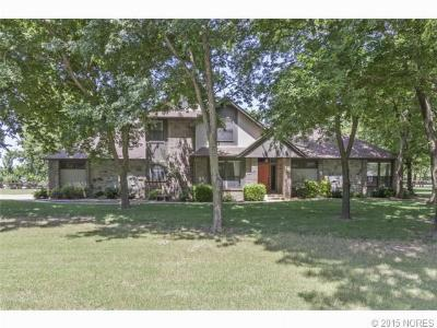 Single Family Home Sold: 19851 E Fox Run Circle