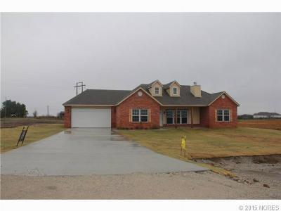 Mounds OK Single Family Home For Sale: $235,000