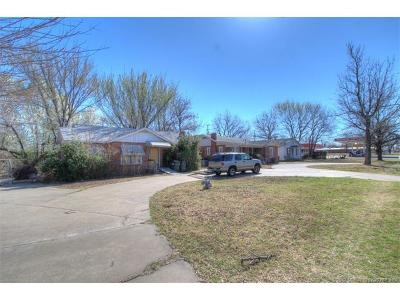 Sapulpa Single Family Home For Sale: 1517 S Main Street