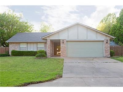 Broken Arrow Single Family Home For Sale: 212 N Elder Avenue