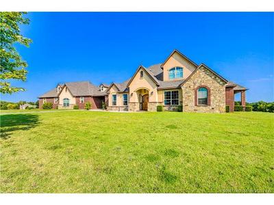 Claremore Single Family Home For Sale: 10067 Cedar Springs Drive