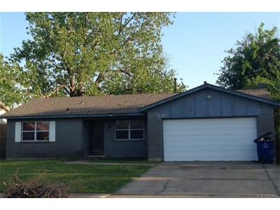 Tulsa Single Family Home For Sale: 11842 E 36th Street