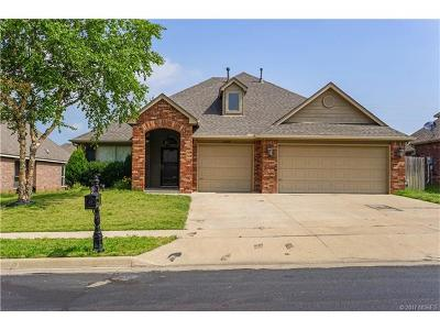 Owasso Single Family Home For Sale: 11809 E 105th Street N