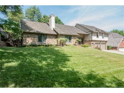 Tulsa Single Family Home For Sale: 6124 S Louisville Avenue