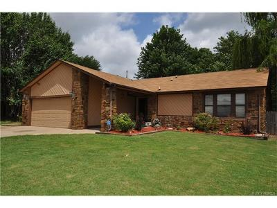 Broken Arrow Single Family Home For Sale: 2620 W Atlanta Place