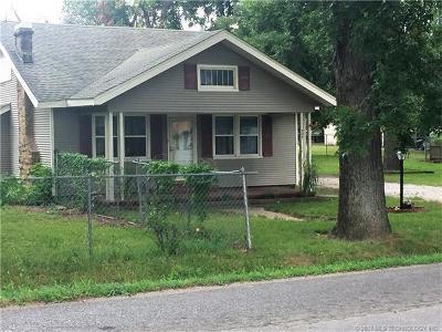 Okmulgee Single Family Home For Sale: 724 E 20th Street